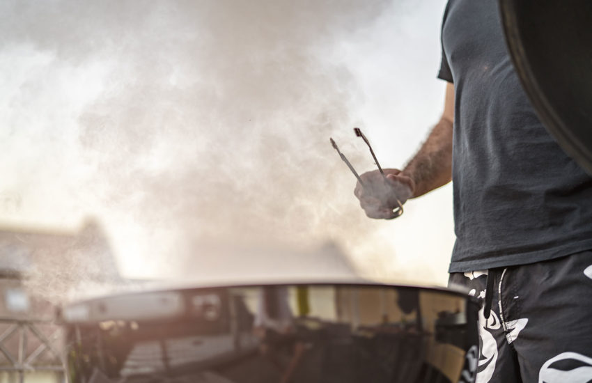 Starke Rauchentwicklung beim Grillen am Balkon - IMMOBILIEN.Blog
